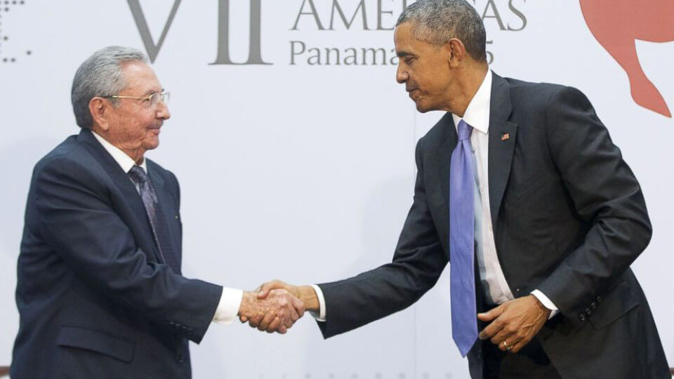 obama-castro-summit-of-americas